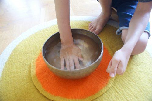 Klangpädagogik Hand Wasser